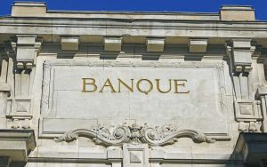 A qui appartiennent les banques en ligne ?