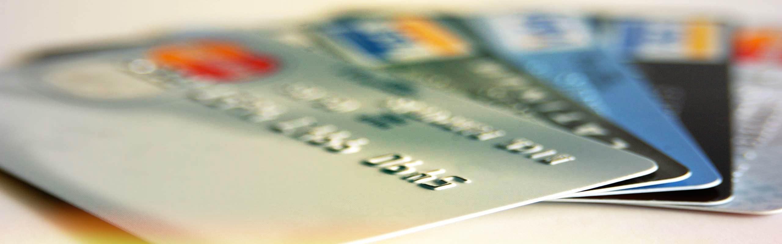 Quels sont les tarifs des cartes bancaires appliqués par crédit mutuel ?