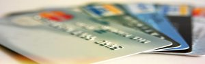 Que choisir entre une Gold mastercard et une visa premier ?